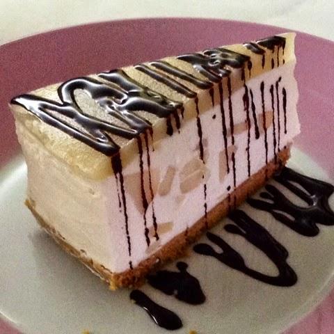 Cheese cake ricotta e pere con topping alle pere e cioccolato