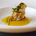 Seppia arrostita marinata  – con vellutata di pomodori gialli