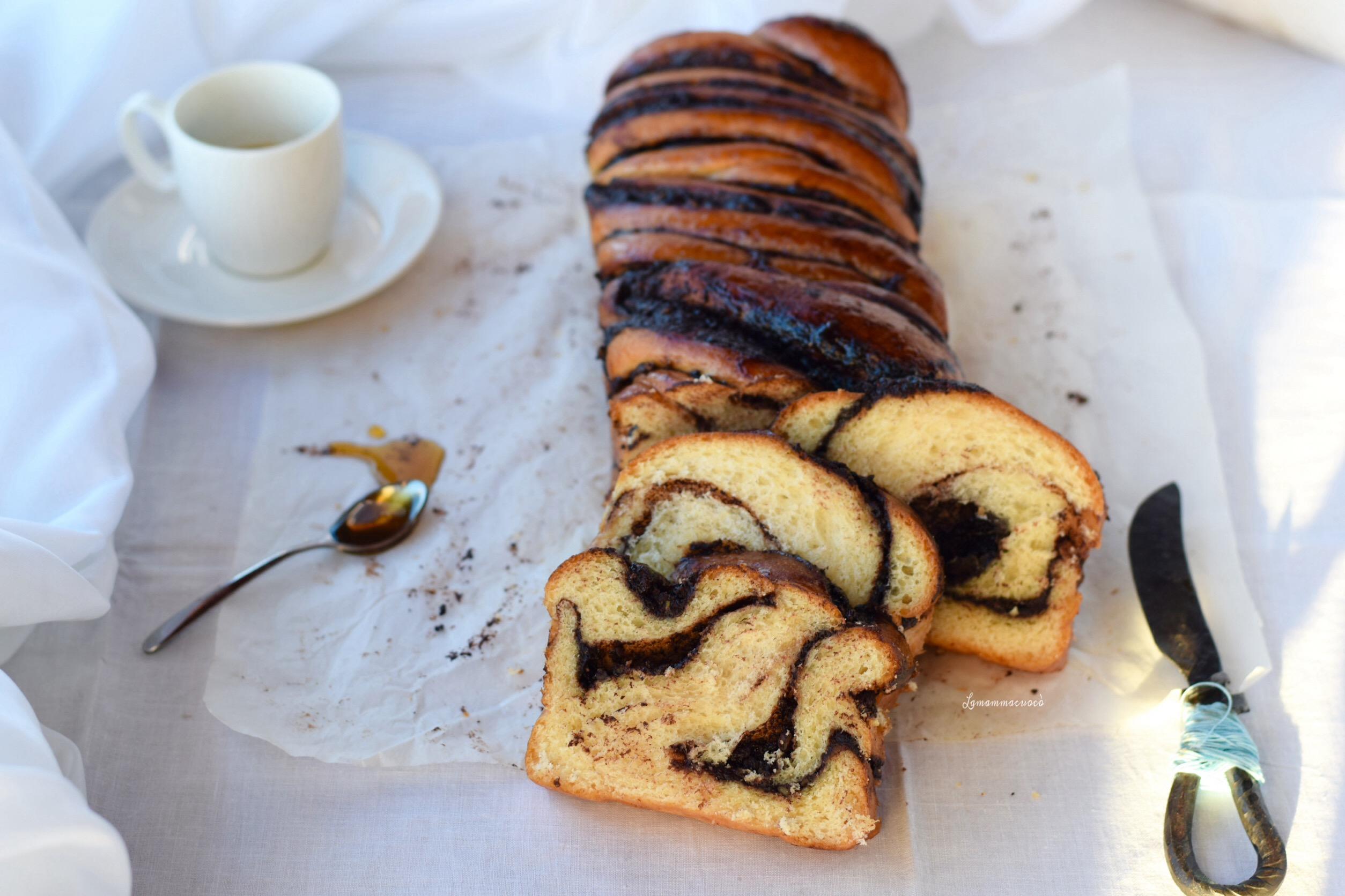 babka al cioccolato fondente e pistacchi