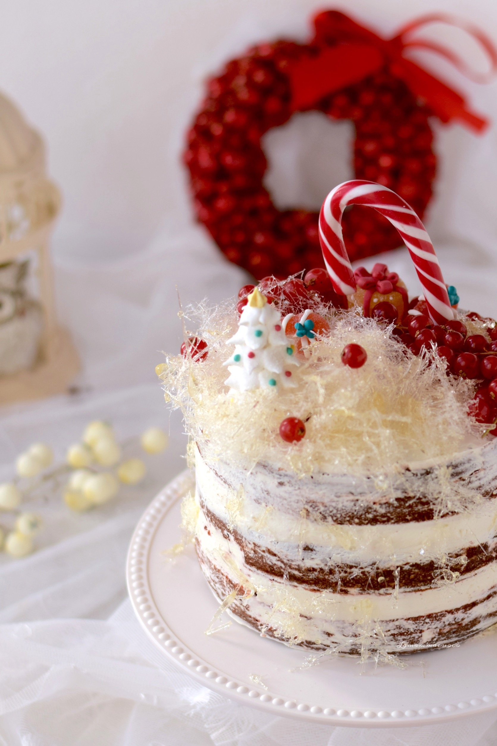 red velvet naked cake con zucchero filato