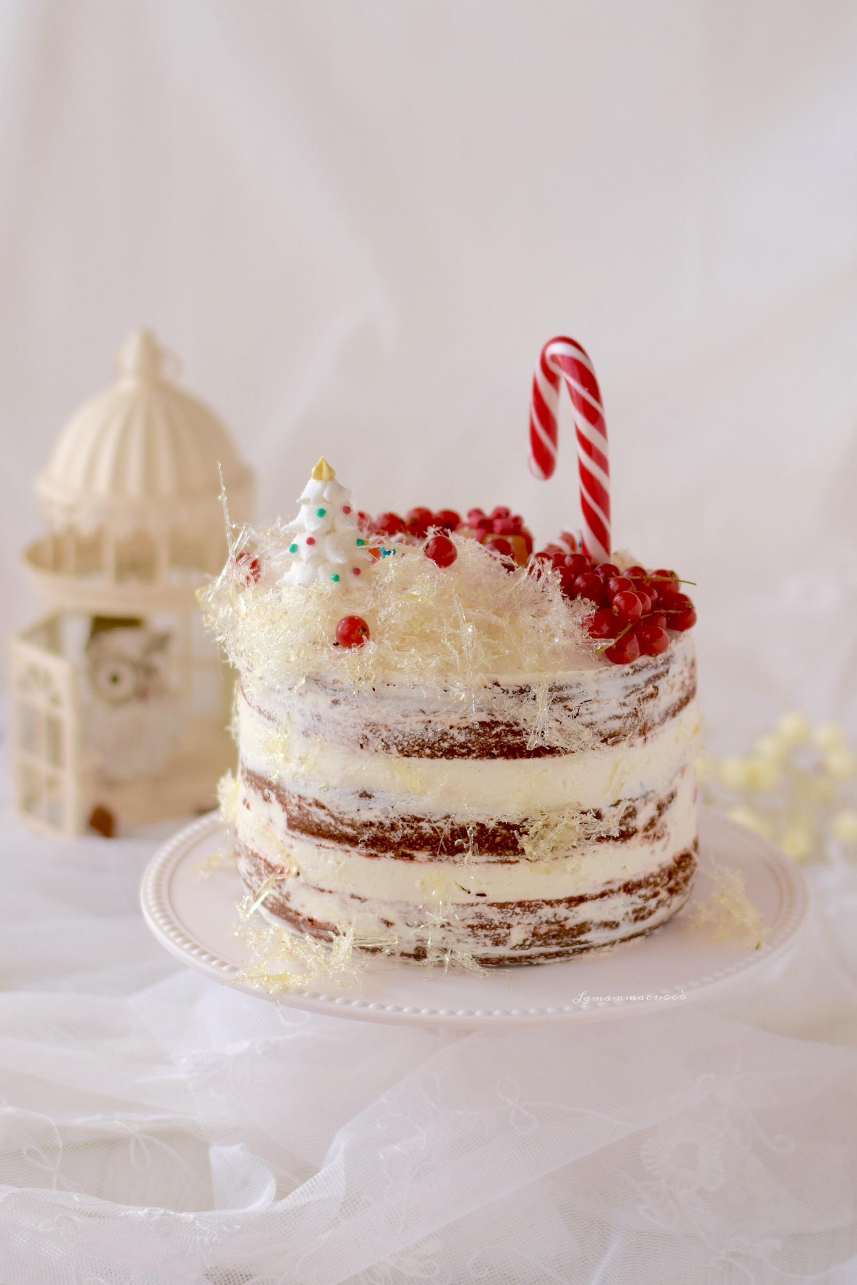 torta red velvet con zucchero filato
