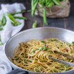 Spaghettoni di Gragnano con piselli e Provolone del Monaco