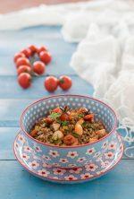 Insalata di farro con gamberi e pomodorini confit